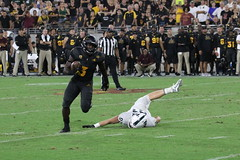 ASU vs MSU 757 (Az Skies Photography) Tags: asu msu arizonastateuniversity arizona state university september82018 football michigan michiganstate michiganstateuniversity tempe az tempeaz sun devil stadium sundevilstadium sundevil sundevils september 8 2018 9818 982018 action athlete athletes sport sports sportsphotography canon eos 80d canoneos80d eos80d canon80d athletics sundevilfootball spartans msuspartans michiganstatespartans asusundevils arizonastatesundevils asuvsmsu arizonastatevsmichiganstate pac12
