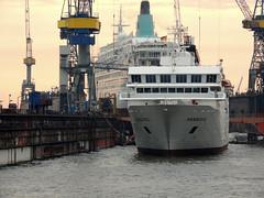 Hanseatic (IMO 9000168) (Parchimer) Tags: kreuzfahrtschiff cruisevessel passengervessel personenschiff statkipasazerskie hamburg dock werft blohmvoss