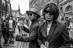Just One Wise Life (Cycling-Road-Hog) Tags: blackwhite candid canoneos750d citylife colour efs1855mmf3556isstm edinburgh edinburghfringefestival2018 fashion hat monochrome people places royalmile scotland shades street streetphotography streetportrait style urban