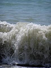 Wild. (Ia Löfquist) Tags: crete kreta sea hav wave våg skum våldsam häftig fierce foam raging furious upprört oroligt upset restless