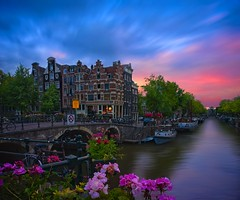 Papeneiland Pub - Ice and Fire (l.cutolo) Tags: tourism flickr architecture water zeisslens citylights worldtrekker bridge pricengracht amsterdam sky ononeraw holland brouwersgracht citylife city lucacutolo landmark canal flowers ams papeneiland citycentre sunset monument sharp art bracketing intensecolours vignette lighttrails photostacking tlp reflections sonya7ii cityscape ngc europe shy canalboat sony colours hdr world sonyfe2470mmf4zaoss