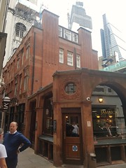 The Jamaica Wine House (sarflondondunc) Tags: thejamaicawinehouse jamaicabuildings stmichaelsalley cornhill cityoflondon london pub cheesegrater stmichaelcornhill