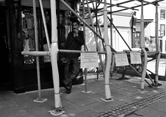 Works are being Carried Out (Bury Gardener) Tags: bw blackandwhite burystedmunds 2018 nikond7200 nikon england eastanglia uk britain suffolk streetphotography street streetcandids snaps strangers candid candids people peoplewatching folks traverse