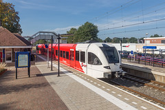 Arriva GTW Spurt 503 in station Putten (DAPPA01) Tags: veluwelijn trein spoor putten pt rails bovenleiding zijspoor station prorail ns stationsstraat overweg perron reizigers goederentrein cargo passarelle arriva spurt 503 gtw steadler stadler adriaan volker