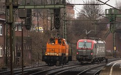 131_2018_03_22_Hamburg_Harburg_1214_003_LOCON_Lz_Süden_5370_026_PKPC_Lz_Hafen (ruhrpott.sprinter) Tags: ruhrpott sprinter deutschland germany allmangne nrw ruhrgebiet gelsenkirchen lokomotive locomotives eisenbahn railroad rail zug train reisezug passenger güter cargo freight fret hamburg harburg boxx brll ctd db dispo egp ell eloc hctor locon lte me mteg nrail öbb pkpc press rhc sbbc slg vps wiebe wlc 1203 1214 1216 1223 3294 4180 5370 5401 6101 6110 6143 6146 6152 6182 6186 6187 6193 es64u2 logo natur graffiti
