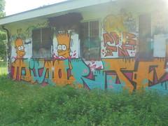 mi sorte (en-ri) Tags: afk jn crew arancione azzurro arrow bart homer simpson torino wall muro graffiti writing nero stelline viola