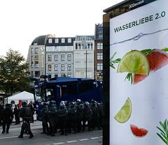 Wasserliebe 2.0 (cmdpirx) Tags: hamburg germany gaensemarkt wirsindmehr antiafd antirassismus demonstration demo wawe wasserwerfer riot water gun schergen henchmen polizei antiracist