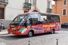 2018-08-13 EX 989YS Iveco-Indcar of Baldense Viaggi for City Sightseeing, Verona 2 (John Carter 1962) Tags: bus buses opentop