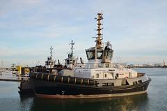 Innovation (Hugo Sluimer) Tags: delandtong landtongrozenburg landtong portofrotterdam port haven rozenburg nederland holland zuidholland nlrtm onzehaven