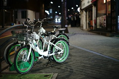 2114/1804 (june1777) Tags: snap street seoul gahoedong night light bokeh bicycle sony a7ii konica hexanon ar 57mm f14 640 clear