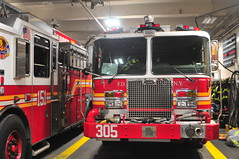 FDNY Engine 305 (Triborough) Tags: ny nyc newyork newyorkcity queenscounty queens foresthills fdny newyorkcityfiredepartment firetruck fireengine engine engine305 kme