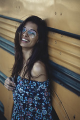 Amanda Cunha (Leonardo Cardozo Galves) Tags: woman canon 50mm brasil brazil girl busschool portrait portraits retrato