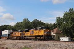 58914 (richiekennedy56) Tags: unionpacific sd70ace es44ac up8991 up2554 camden missouri raycountymo railphotos unitedstates usa