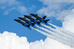 Hang Tight (Eric Tischler) Tags: blue angels 2018 cleveland f18 jets formation tight