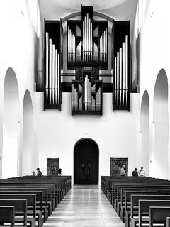 The minimalistic church organ