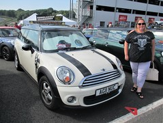 British-tagged BMW Mini Clubman One next to Helen at the Mini Festival, Brands Hatch 09.07.17 (Trevor Bruford) Tags: bmw mini clubman brands hatch fawkham green festival classic vehicle motor sport helen gillard car race track circuit ag11 nuc one
