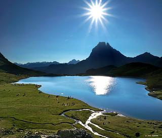 Lac Gentau et Midi D´Ossau