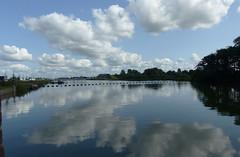Reflectie van de wolken in het water (Olga and Peter) Tags: reflectie reflection friesland fp1220808 stavoren
