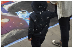 Pasadena_0043 (Thomas Willard) Tags: space california astronaut hoodie man boy art watch chalk look pasadena planet