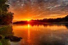 Labor Day Sunrise (kendoman26) Tags: hdr nikhdrefexpro2 nikon nikond7100 tokinaatx1228prodx tokina tokina1228 sunrise illinoisriver