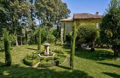 Un joli jardin (Cri.84) Tags: jardin provence vaucluse