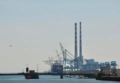 Dublin harbour (jpdu12) Tags: dublin harbour jpdu12 jeanpierrebérubé irlande ireland nikon d5300 mer port