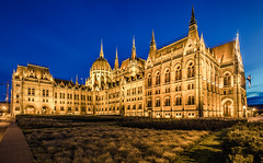 The Parliament at blue hour (Vagelis Pikoulas) Tags: 2017 parliament budapest pest hungary travel holidays building buildings architecture city cityscape landscape urn europe canon 6d september autumn blue hour tokina 1628mm