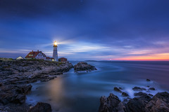 Night Watch (Mike Ver Sprill - Milky Way Mike) Tags: night watch portland head lighthouse maine cape elizabeth fort williams stars dusk dawn long exposure beacon coastline coastal water ocean seascape shoreline shore rocks rocky reflections clouds