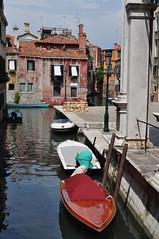 Rio San Pantalon, contrade de San Pantalon, sestiere de Dorsoduro, Venise, Vénétie, Italie. (byb64) Tags: sanpolo frari venise venezia venice venedig venexia venecia vénétie veneto venetien italie italy italia italien europe eu europa ue unesco unescoworldheritagesite ville ciudad city town citta pont puente ponte bridge brücke canal canale kanal sanpantalon dorsoduro