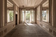 Mauro Amoroso © (Mauro_Amoroso) Tags: chateau urbex abandoned decay mauroamorosoadventures natgeo natgeotravel nationalgeographic nikon nikonitalia white space dusty dustysecrets