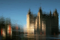 Le château de Saumur, reflets sur la Loire (Les 3 couleurs) Tags: reflets reflection loire maineetloire anjou valdeloire paysdelaloire saumur châteaux castle