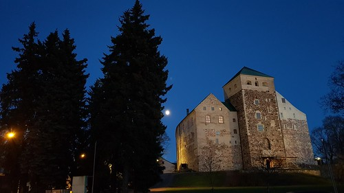 Turku castle and the moon