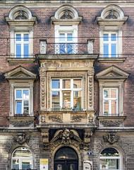 Kraków... house no 5 Długa St. (marek&anna) Tags: balcony historicism facade entrancegate cartouche stefanczarniecki julianursynniemcewicz tadeuszkosciuszko hugokołłątaj gustavehrenberg krakow kraków 5długast