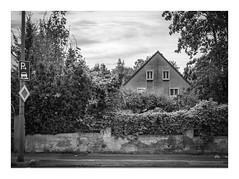 Die Stadt 255 (sw188) Tags: deutschland nrw ruhrgebiet westfalen dortmund derne sw stadtlandschaft street bw blackandwhite