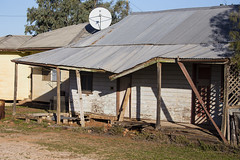 Tumbledown (oz_lightning) Tags: australia canon6d canonef100400mmf4556lisiiusm fordsbridge nsw architecture building decay outback rural newsouthwales aus