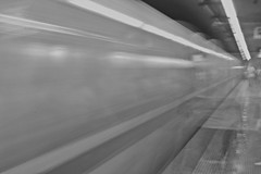 Fantasmas (Campanero Rumbero) Tags: rome roma italy italia travel turismo trip station estacion metro subway monocromo fast rapido city ciudad europe europa