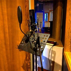 Lonely Mic (Pennan_Brae) Tags: studiolife microphones sing singing singer recordingsession recordingstudio recording music musicproducer musicstudio microphone