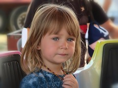 Maelys (LILI 296...) Tags: maelys fillette girl enfant enfance portrait canonpowershotg7x