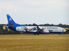 TC-SNN Boeing 737-800 of Sun Express (SteveDHall) Tags: aircraft airport aviation airfield aerodrome aeroplane airplane airliner airliners luton londonluton lutonairport 2018 tcsnn boeing737800 sunexpress sxs 738 b738 boeing boeing737 b737 737800 737 b737800