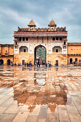 Amber Fort - Jaipur (India) (Javier Álamo Andrés) Tags: architecture city cityscapes india asia travel elephant people amber fort palace rajastan javier alamo andres reflection rain yellow