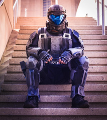 Straight Ahead (shiruichua) Tags: fanexpocanada fanexpo2018 fxc18 fanexpo toronto halo3 odst xbo360 masterchief downtown pose portrait action videogame costume model battle building flight canont5i 50mm f18 lens 700d
