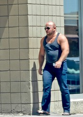 DSCN9758 (danimaniacs) Tags: hot sexy man guy palmsprings tanktop beefy muscle mansolo beard scruff
