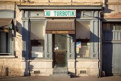 Pris dans les filets | Mortification urbaine LX (CrËOS Photographie) Tags: douai france commerce boutique restaurant abandonné ville urbain rue façade