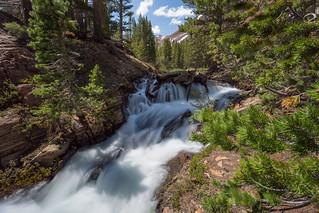 Yosemite Flowing ...