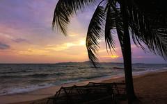 Sunset in Jomtien (alnesleif2) Tags: horizon over water beach seascape coastline sunset sand sea anse severe shore long island seashore thailand jomtien