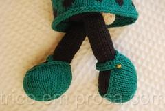 Coelhinha com vestido de bolinha (tricô em prosa) Tags: brinquedo toy knitting tricô tricot handknit feitoamão