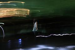 La niña (rominagisellefotografía) Tags: color barrido noche sombras largaexposición luces niña