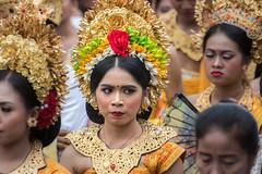 IMG_6674-tr (JLBenazra) Tags: bali cérémonie sawan indonésie costumes