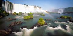 H2O (Israel DeAlba) Tags: cascada iguazu argentina brasil waterfall arco iris rainbow river rio south america suramerica del sur naturaleza nature ecology israel de alba