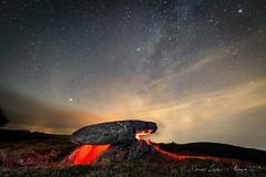 Dolmen Forno dos Mouros (breijar - MARCOS LOPEZ ALONSO) Tags: dolmen forno dos mouros via lactea noche roca cielo ngc